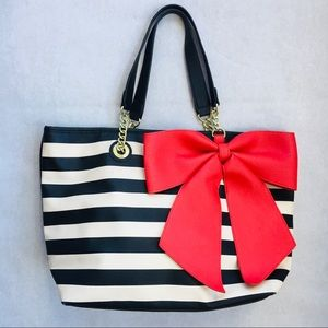 Betsy Johnson | Bow Tote Style Purse Chain Handle